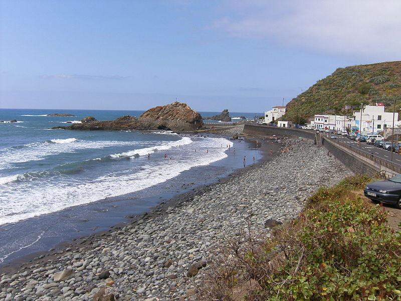 800px-Playa_del_Roque_(Taganana)