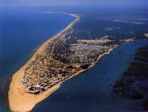http://www.playasconencanto.net/wp-content/uploads/Punta-Umbria-vista.jpg