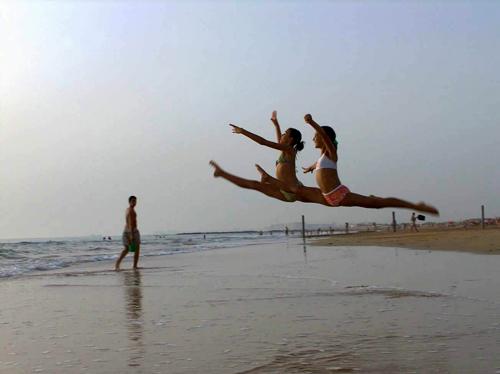 barrosa ana y elena en la playa