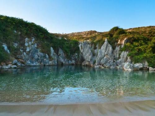 Gulpiyuri, la playa más pequeña de Asturias