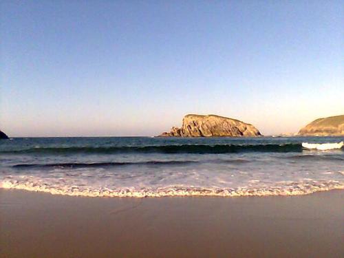 Playa de Covachos en la costa de Cantabria