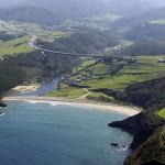 la Playa Cueva en la Costa de Asturias