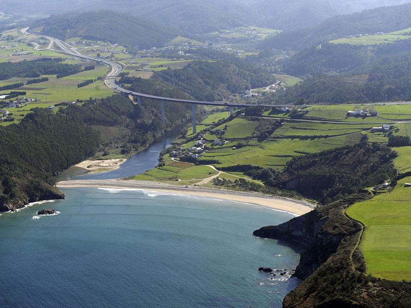 playa-cueva-asturias