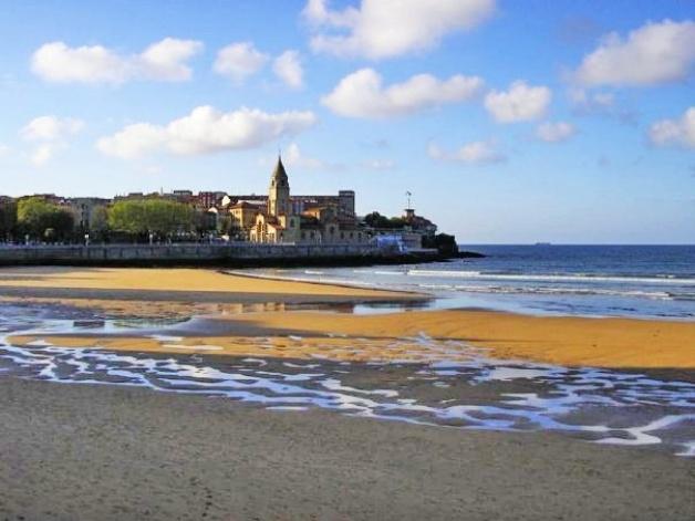 Foto-Playa-de-San-Lorenzo-en-Gijón