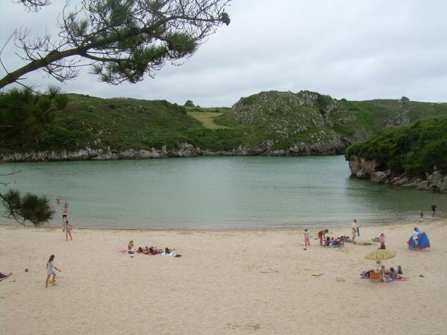 playa-de-poo-en -asturias-2