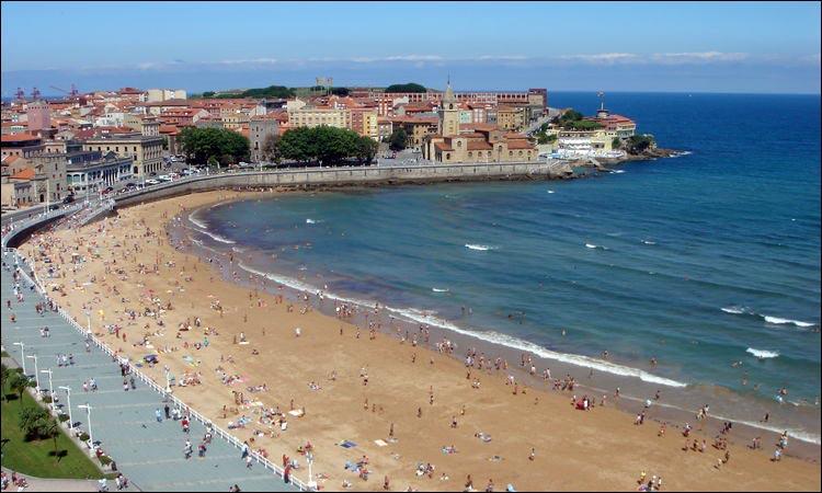 playas_en_asturias_playa_de_san_lorenzo